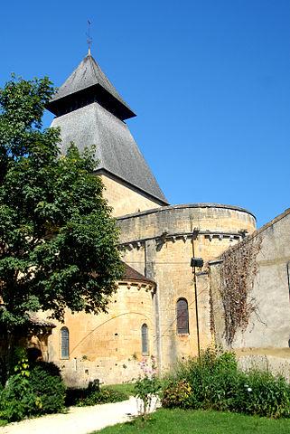 Abbaye de Cadouin : vue de l'ancien palais abbatial, actuel château de la Ferté